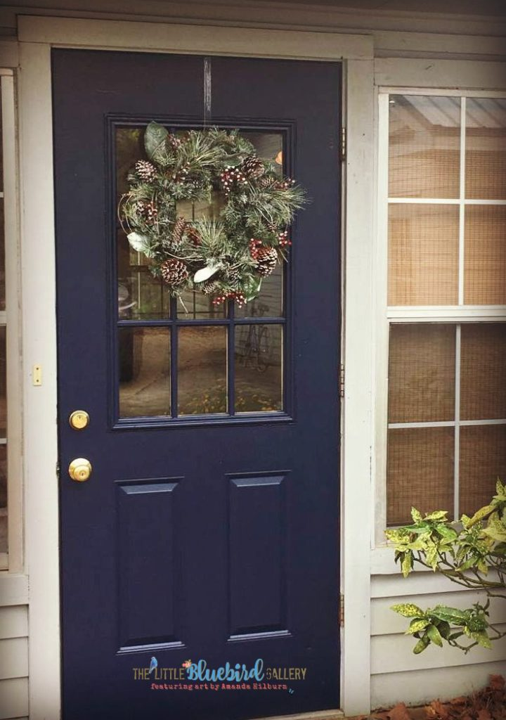How to update your old Christmas decor with chalky paint!
